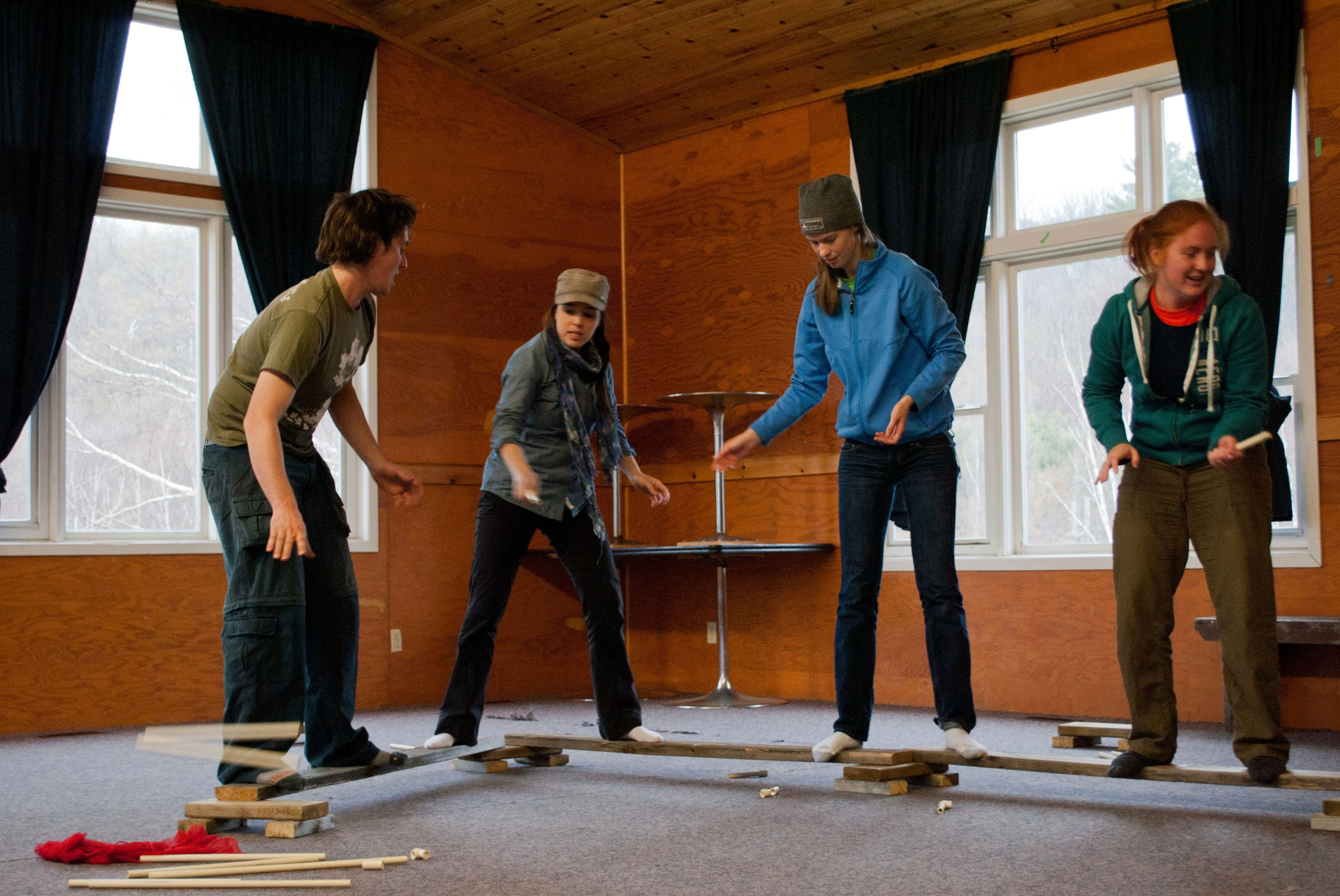 3 Fun And Easy Indoor Team Building Activities Fitcorp Global